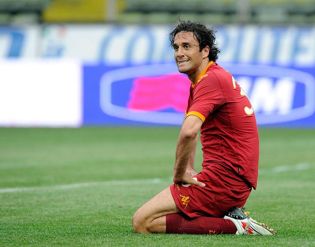 2010: la Roma in piena corsa scudetto con l'Inter acquista Luca Toni ma in giallorosso durerà solo sei mesi