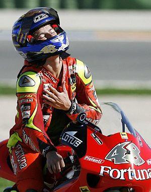 MotoGP, Lorenzo ha in testa solo il Chupa Chups