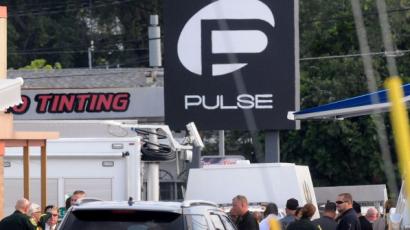 Usa, spara in locale gay: almeno 20 colpiti