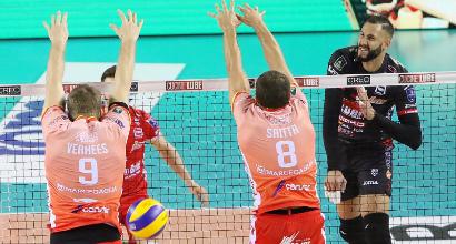 Volley uomini: Civitanova e Trentino in testa con Perugia, Modena ok al tie break con Castellana