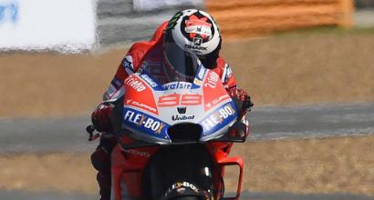 MotoGp, Lorenzo stringe i denti e torna in pista a Sepang