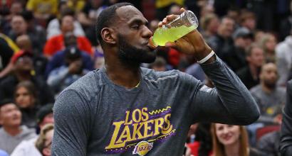 Basket, Nba: cadono ancora i Lakers di LeBron, la tripla doppia di Irving spinge i Celtics