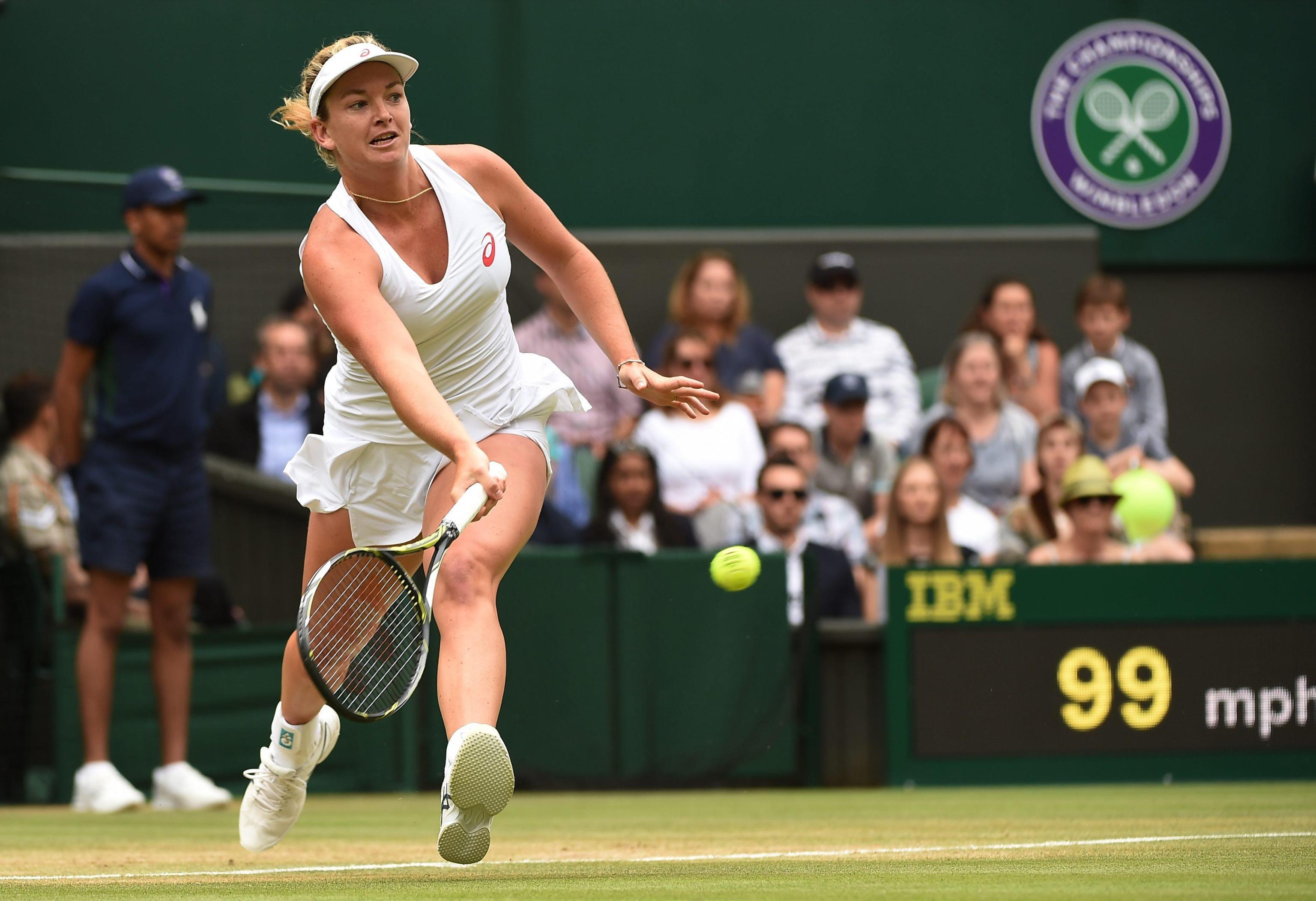 L'Italia non va oltre la prima settimana a Wimbledon. Roberta Vinci, unica portacolori azzurra rimasta in gioco tra maschi e femmine nel celebre torneo dello Slam sull'erba dell'All England Club, è stata eliminata al terzo turno da Coco Vandeweghe: la statunitense si è imposta in due set 6-3, 6-4 in un'ora e 9 minuti di gioco. La Vinci manca l'accesso agli ottavi di finale, raggiunti nel 2012 e nel 2013.