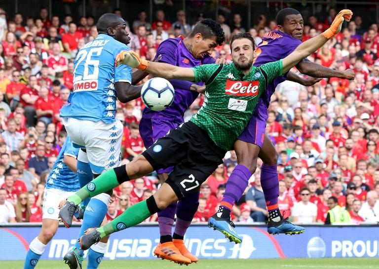 Finisce malissimo l'amichevole del Napoli all'Aviva Stadium di Dublino contro il Liverpool. I Reds finalisti dell'ultima Champions League si impongono per 5-0 in una partita dominata dall'inizio alla fine. Dopo nemmeno dieci minuti la squadra di Ancelotti si trova sotto per 2-0 con reti di Milner al 4' e Wijnaldum al 9'. Nella ripresa gli uomini di Klopp dilagano con Salah al 58', Sturridge al 73' e Moreno al 77'.