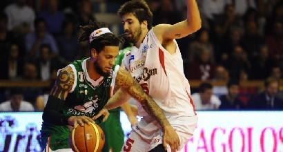Basket: Siena cade a Reggio Emilia. Roma e Sassari non si fermano