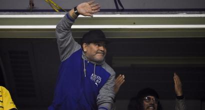Il passaporto risulta rubato, Maradona bloccato in aeroporto