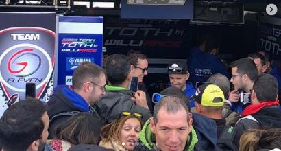 Supersport, incredibile ad Aragon: rubano la moto di Barbera dal paddock