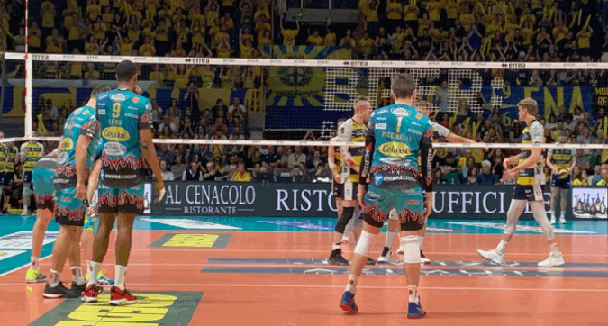 Volley, playoff: Perugia vince al tie break e raggiunge Civitanova in finale