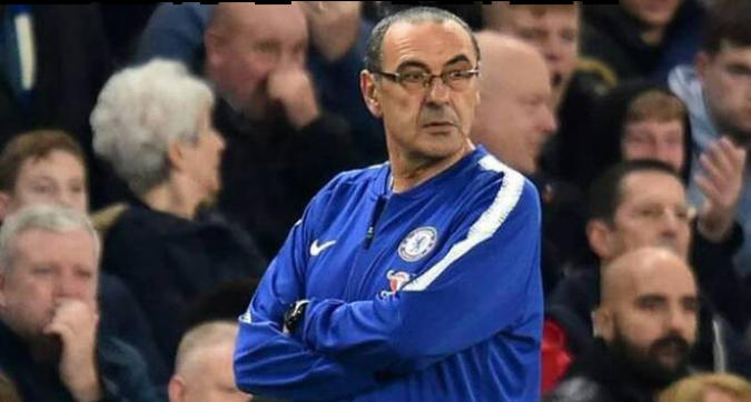 Non ha ancora firmato per la Juve ma c'è chi lo vuole già cacciare: sui social impazza il #Sarriout