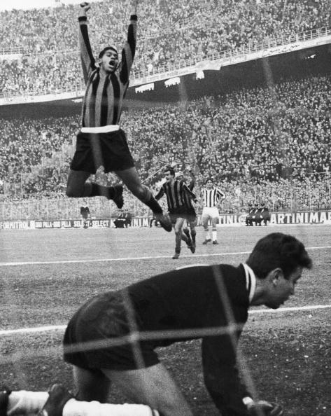 Juventus vs Inter 1962: Jair esulta dopo un gol