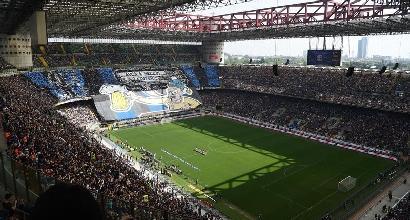 Derby, il caos biglietti continua. Il Milan chiude la borsa: i voucher sola soluzione. E l'Inter  rimborsa  i suoi tifosi
