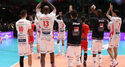 Volley: Perugia non sbaglia mai, disastro Modena. Donne: Scandicci sgambetta Monza