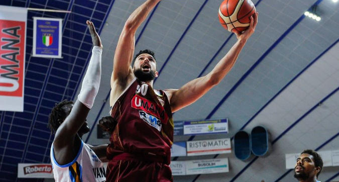 Basket, playoff: Cremona sul 2-1, Venezia k.o. 75-73 al supplementare