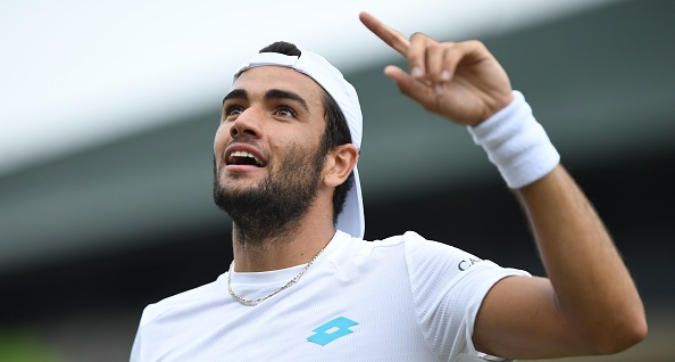 Tennis, Wimbledon: Berrettini va agli ottavi, sfiderà Federer. Fognini si arrende in tre set a Sandgren