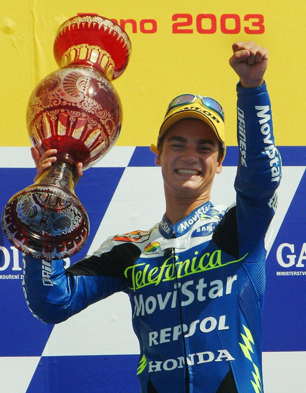"""Lo spagnolo ha annunciato il ritiro dopo 18 anni di carriera nel Motomondiale. Un'avventura cominciata nel 2001: due podi già alla prima stagione in 125 (Valencia e Motegi), prima vittoria ad Assen nel 2002, primo titolo mondiale nella classe leggera nel 2003. Poi il passaggio in 250 e la doppietta iridata (2004 e 2005), prima del salto in MotoGP nel 2006. La prima vittoria tra i """"grandi"""" arriva appena alla quarta gara (in Cina), ma il titolo resterà sempre un miraggio: arriva 2° nel 2007 (stagione dominata dalla Ducati di Stoner), nel 2010 (nonostante un infortunio che ne condiziona il finale di stagione) e nel 2012, quando lo perde per soli 18 punti dopo un lunghissimo testa a testa con la Yamaha di Lorenzo."""