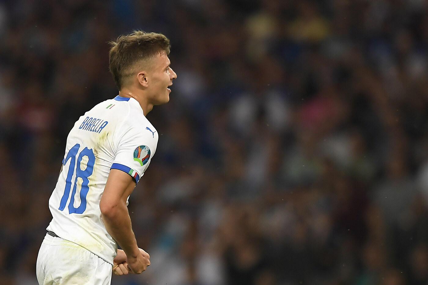 Barella 7 - Mancini gli chiede più coraggio negli inserimenti e lui lo ripaga sbloccando il match come contro la Finlandia. Un pericolo costante per la retroguardia ellenica.