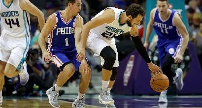 Basket, Nba: Belinelli è un cecchino, gli Hornets volano
