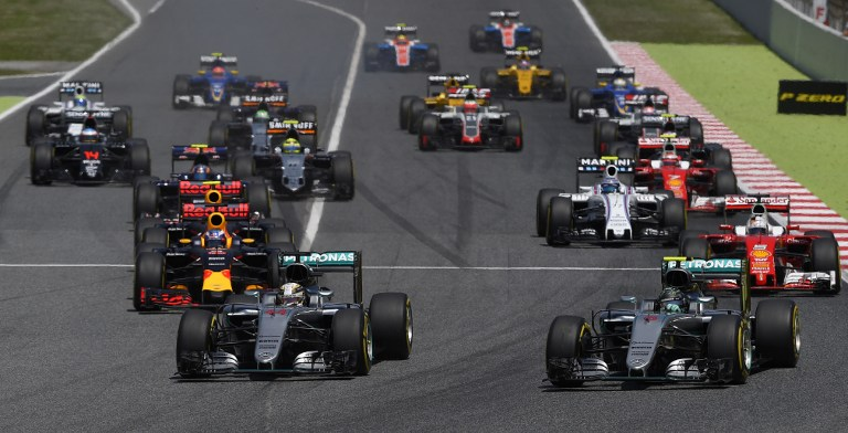F1, storica vittoria di Verstappen a Barcellona