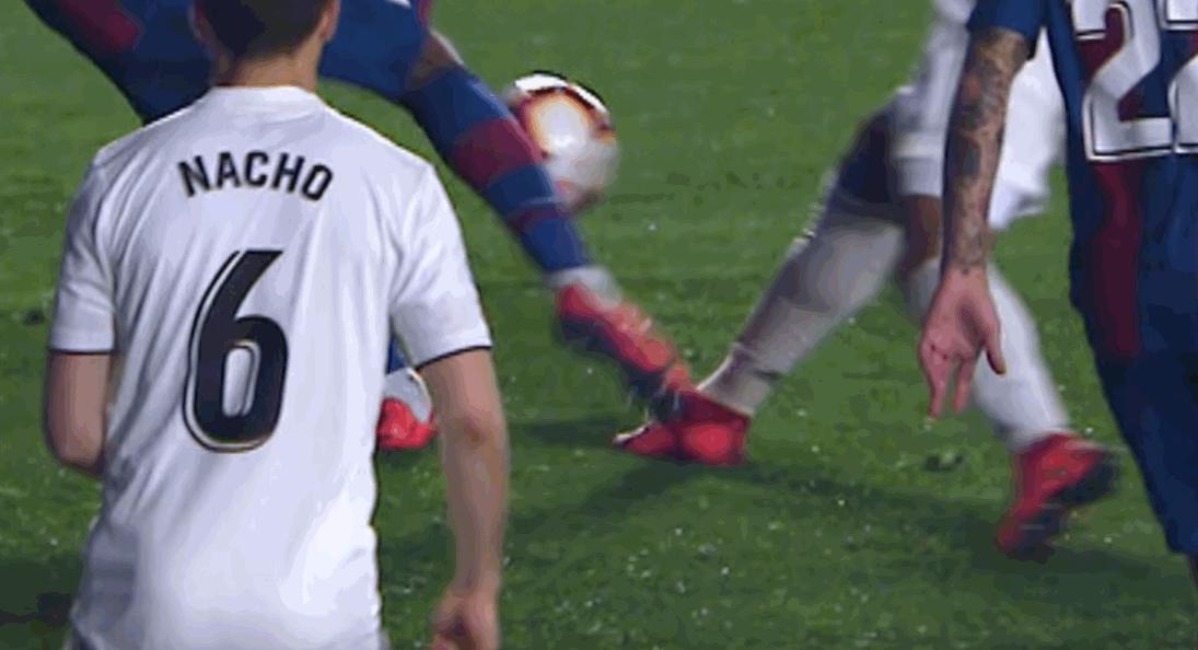 Real Madrid, polemiche per il rigore assegnato dalla Var contro il Levante