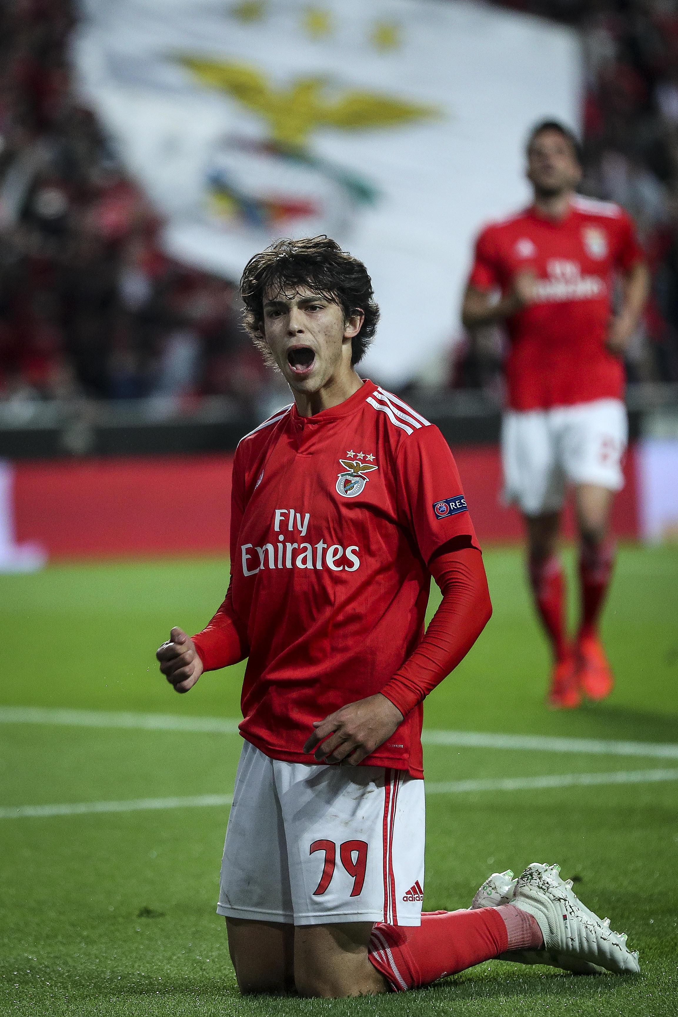 Juve, guarda Joao Felix! La stella nascente del calcio portoghese e del Benfica, classe 1999, che in patria paragonano già al connazionale Cristiano R...