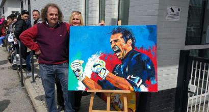 Juve, tifosi dal Lussemburgo per farsi autografare due quadri da Buffon
