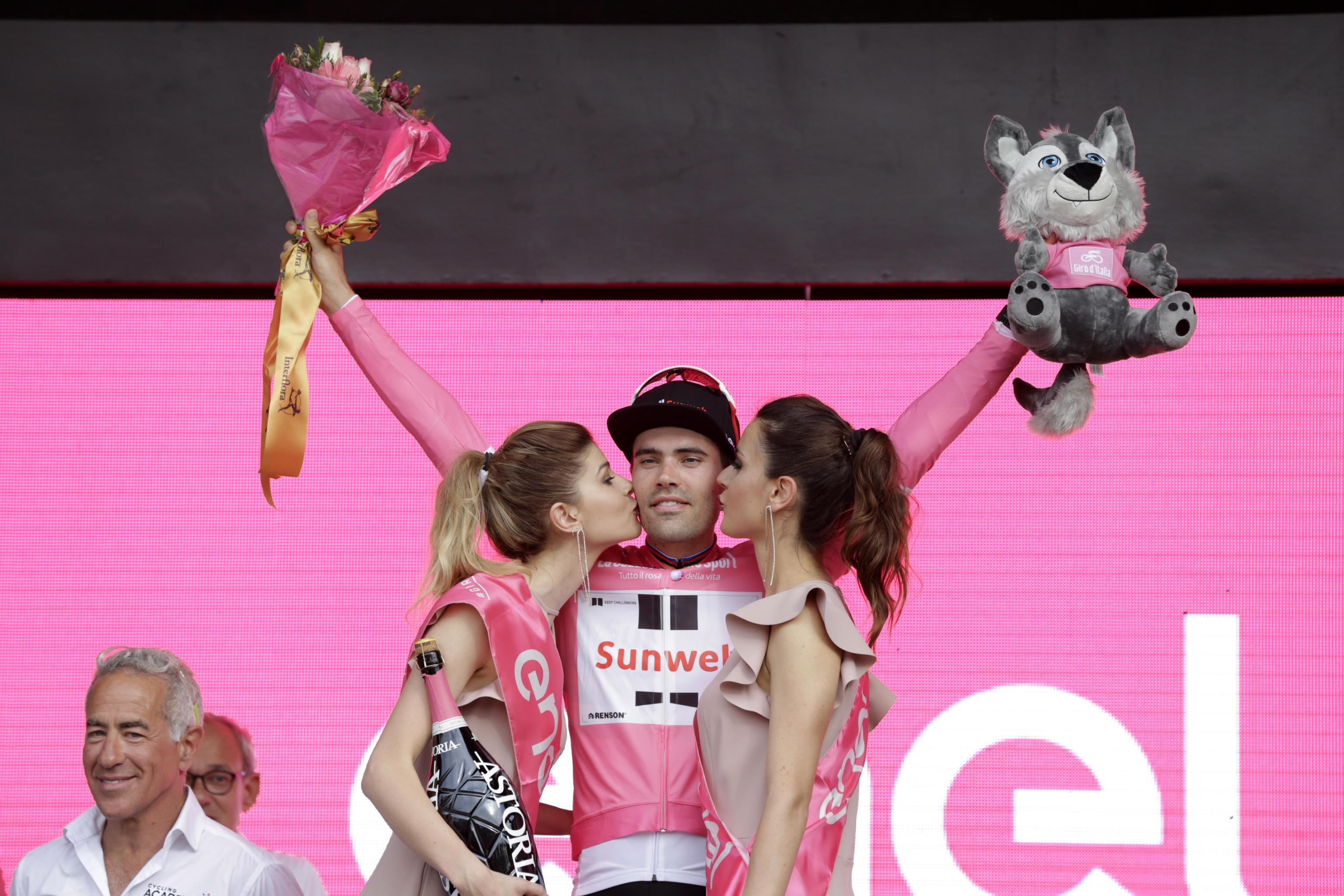 Giro d'Italia, Dumoulin vince la crono di Gerusalemme: è la prima maglia rosa