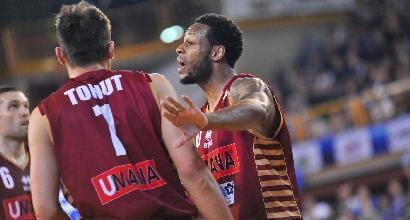 Basket, Serie A: Milano cade a Brindisi, Varese sgambetta Trento