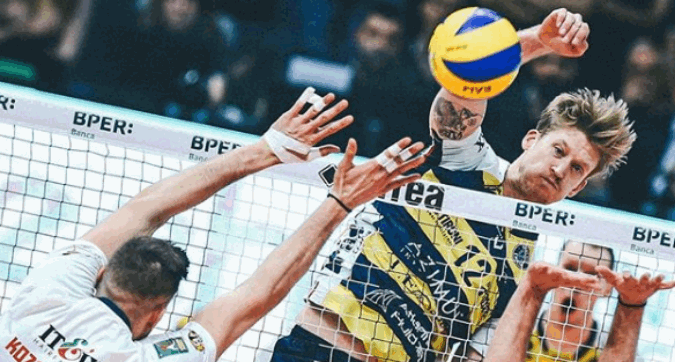 Volley, Modena vola in semifinale