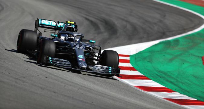 F1, test di Barcellona: la Mercedes di Bottas domina la prima giornata