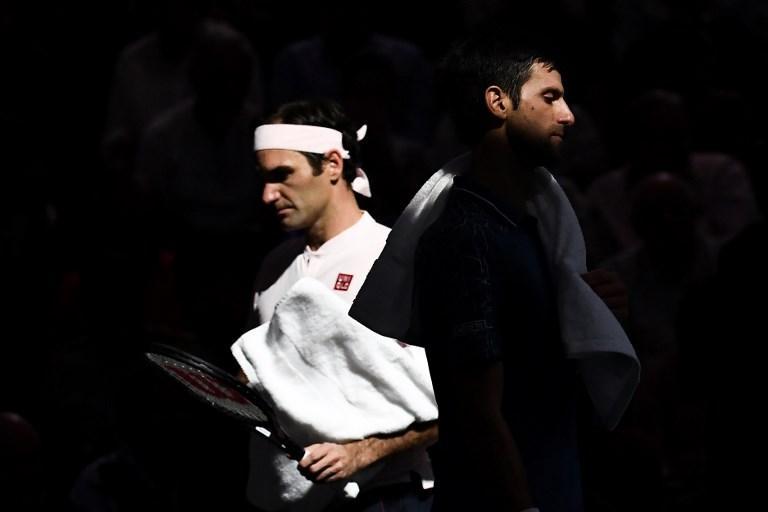 Incrocio tra Federer e Djokovic durante l'ATP World Tour Masters 1000 (3 novembre)