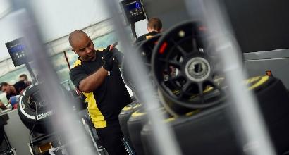 """La Pirelli su Vettel: """"Lo scoppio della gomma? Colpa dei detriti"""""""
