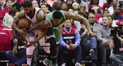Basket, Nba: Cavs in finale a Est, Rockets-Spurs sul 2-2