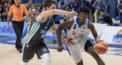 Basket, Serie A: Cantù sbanca Cremona e fa suo il derby