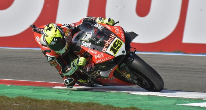 Superbike, anche ad Assen è doppietta Bautista-Ducati