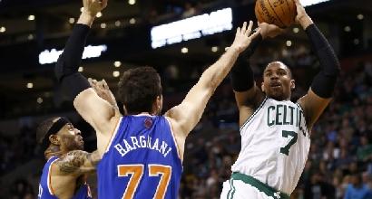 Nba: Bargnani fa 22 punti, ma i Knicks vanno ko