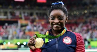 Ginnastica, la campionessa olimpica Usa Simone Biles denuncia: