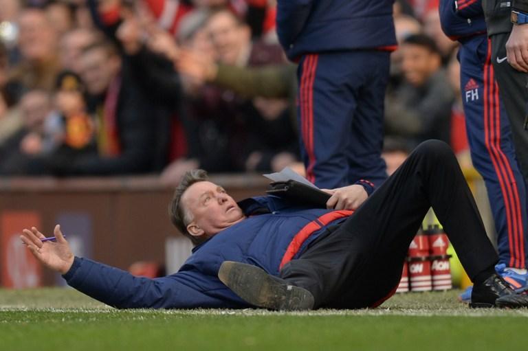 Manchester Utd: Van Gaal, un tuffo per protesta