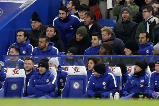Il tecnico del Chelsea è stato allontanato dall'arbitro verso la fine del primo tempo nel match contro lo Swansea: il battibecco con il Quarto Uomo è nato da un calcio d'angolo non assegnato