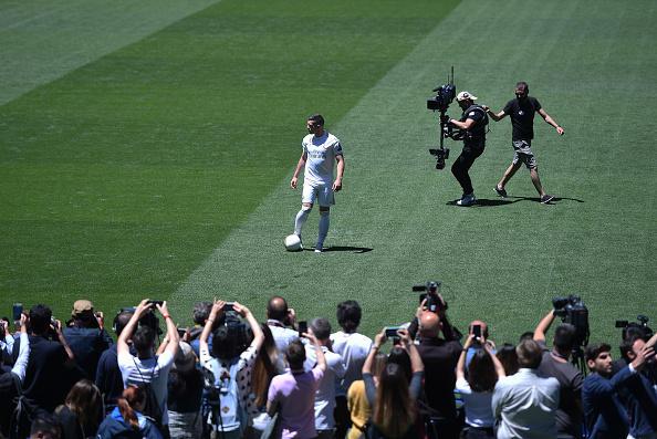 Giornata di presentazioni in casa Real Madrid, è arrivato il turno di Luka Jovic, attaccante 21enne pagato 60 milioni di euro all'Eintracht Francofort...