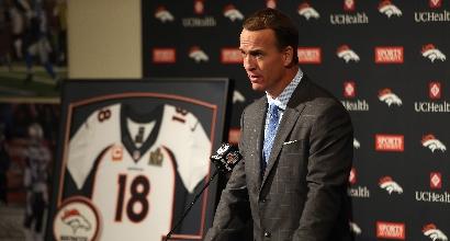 Nfl, Peyton Manning dice basta: si ritira il quarterback dei record