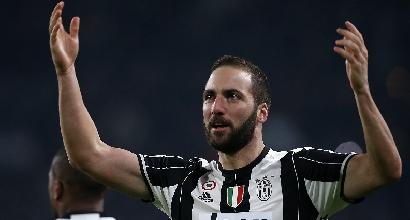 Compleanno Higuain, il tributo della Juventus. E intanto Caressa ironizza..