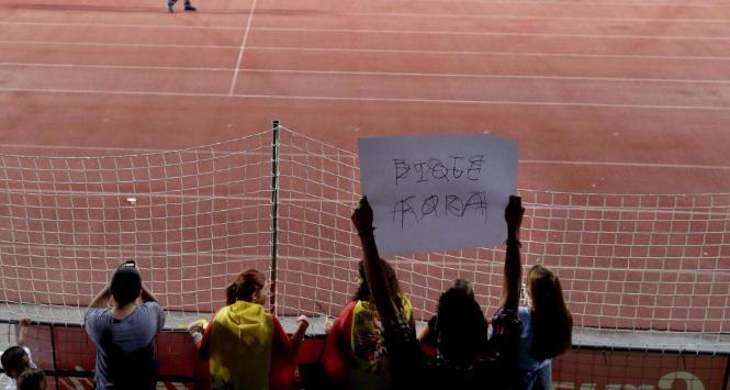 Spagna: fischi, sputi e insulti per Piqué nel ritiro della nazionale