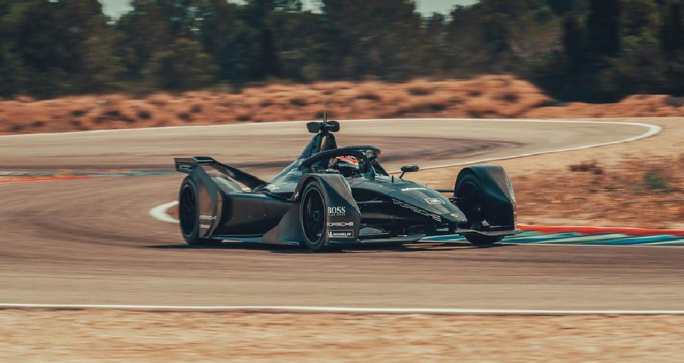 Formula E, la Porsche in pista a Calafat