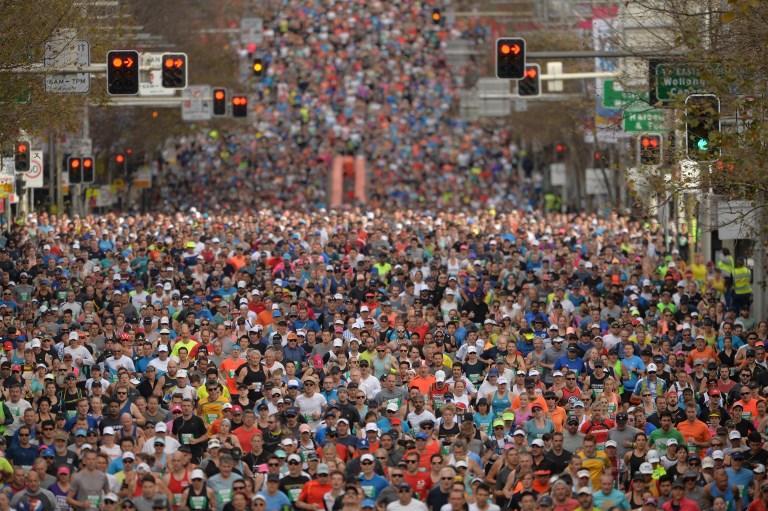Atleti prendono parte alla City2Surf di Sydney, maratona annuale (12 agosto)