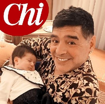 'Chi' pubblica le foto di Maradona con il piccolo Diego Matias: