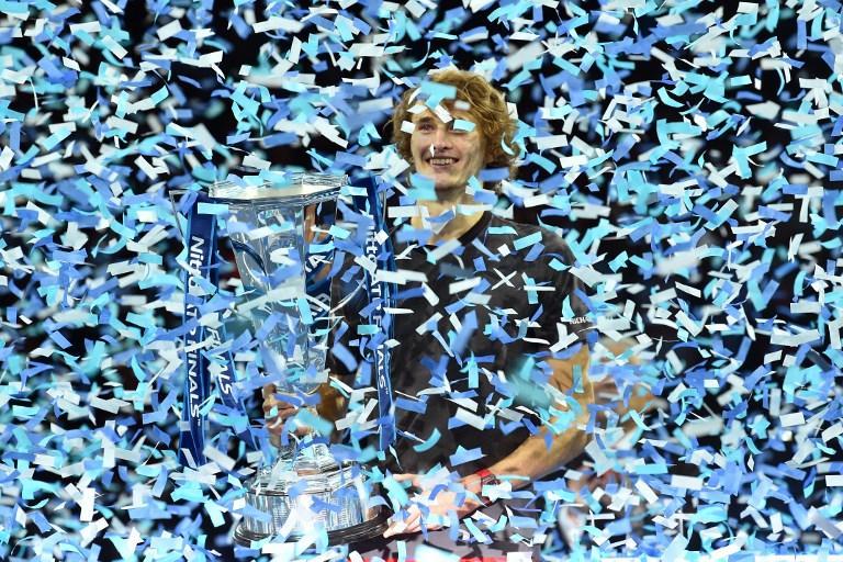 Alexander Zverev durante la festa dell'ATP World Tour Finals dove ha battuto in finale Djokovic (18 novembre)
