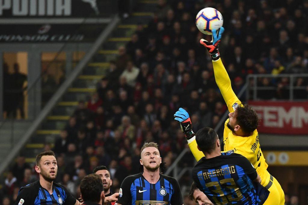 Donnarumma 6,5 - Incolpevole sui tre gol subiti, compie un paio di ottime parate