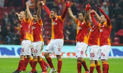 Sneijder, esordio e vittoria