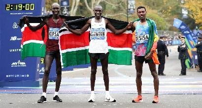 Maratona di New York: il keniano Kamworor trionfa sotto la pioggia