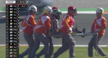 Moto3, brutto incidente per Bulega a Valencia<br />